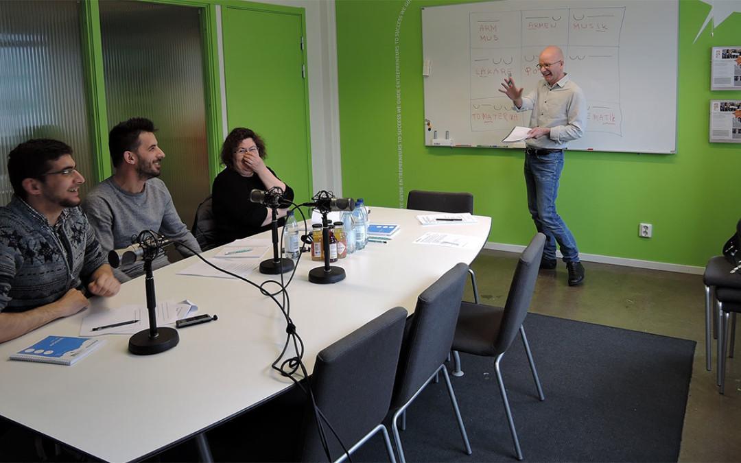 Uttalsutbildning leder till arbete för nysvenskar